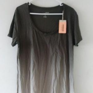 Universal Thread Co Womens SS Scoop Shirt